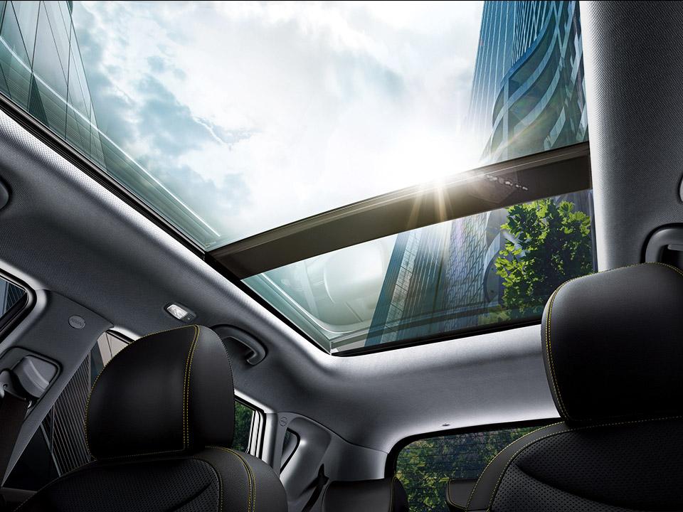 Trapă panoramică + Lămpi interioare tip LED - față, lateral, portbagaj